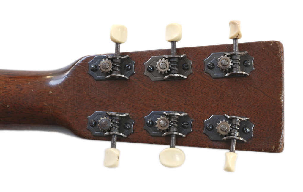 Remarkable, rather Kluson guitar tuners on a strip you